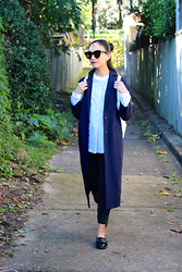 Isabella Loong - Karen Walker Black Sunglasses, Uniqlo Blue And White Oxford Shirt, Asos Navy Duster Coat, Uniqlo Black Ankle Cropped Jeans, River Island Patent Leather Loafers - Mon uniforme
