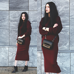CLAUDIA Holynights - Sheinside Knit Ribbed Sweater, Frontrowshop Knit Skirt, Little Mistress Ankle Boots - W i n e - k n i t