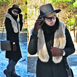 Butch Cervantes - Zara Fedora, Versace Eyewear, Gap Trench Coat, Louis Vuitton Messenger Bag, Zara Boots - From Country to County