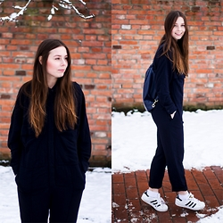 Laura - Zara Overall, Zara Backpack, Adidas Sneaker - Winter Overall