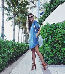 Zaichkina Lusia - Bella Dahl Dress, Rebecca Minkoff Bag - Denim shirt dress - It is so Miami!