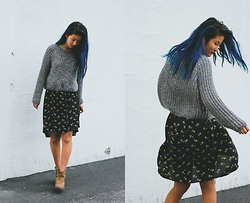 Angelina - Kimchi Blue Bella Pullover Sweater, Sammydress Retro Style High Waisted Skirt, Zara Suede Cowboy Boots - Free spirit