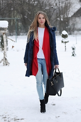Klaudia - Mohito Red Cotton Cardigan, New Look Skinny Jeans, H&M Black Bag, Takko Long Jacket, Lan Kars Leather Boots - Fresh minimal winter look