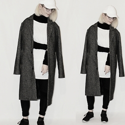 CHOHOH - Nike Swoosh Cap, Divided Tight Turtleneck, H&M Oversized Shirt, Divided Long Coat, Well Behaved Layered Pants - #layered