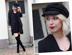 Lavie Deboite - H&M Black Blazer, Mango Black Dress, H&M Overknees - All in black - Overknees