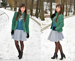 Natalia Uliasz - Dressin Jacket, Happiness Boutique Necklace - Green&gray