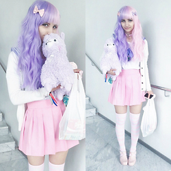 Soyeon Choi - Wig Supplier Pink / Purple Wig, Gina Tricot White Cardigan, Ebay Purple Seifuku Set, Ebay Pink Seifuku Set, Ebay Knee Socks, Ebay Pink Jelly Shoes - Pink / purple hair