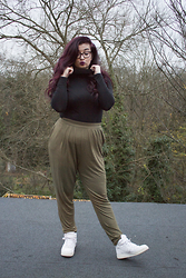 Olivia Lynn - Charity Shop Polo Neck, Asos Peg Trousers, Office Air Force 1 Mid - Bold Lips & A Casual Outfit