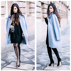Merna Mariella -  - Lace up knee high boots w/ oversized coat