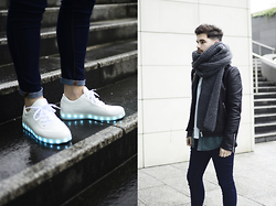 Gerard Molón - Dealsale App Sneakers - WALK THAT LIGHT