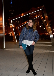 Fashionlingual, Desirée - Suede Clutch, Crop Top, Blank Nyc Skinny Jeans, Otk Boots, Gap Shirt - Spirographs and Angular Arches
