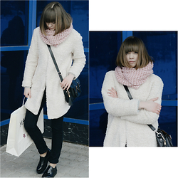 Polina Belskaya - Funday Pink Scarf, Calliope Coat, Incity Jeans - Blue snow