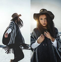 Jessica B. - American Threads Poncho, Beso Del Soul Bolo Wrap Necklace - Smoky Oasis