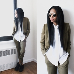 Tia Newton - Topshop Green Tailored Suit - Green with Envy!