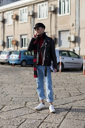 Mirko Massa - Zara Red Coat, Levi's® Jeans, H&M Hat, Epos Sunglasses, Adidas Stan Smith - MILANESE