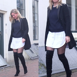 Yasmin Ooteman - H&M Coat, H&M Boots, H&M Blouse, H&M Sweater - Over the knee