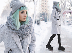 Gina Vadana - Yoins Coat, Tuk Creepers, H&M Beanie - THE COAT