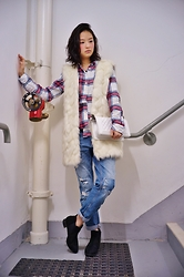 Jenn Su - Urban Renewal Faux Fur Vest, H&M Plaid Shirt, Zara Bf Jeans, Chanel Boy - Staircase Maze