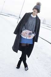 Josefin T - Opi Beanie, Kappahl Coat, Crocker Knitted, Zara Skirt, Gina Tricot Pink Bag, H&M High Knee Boots - Winter wonderland
