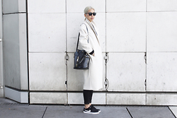 Candy Rosie - Monki Coat, Zara Bag, Boohoo Jeans, Nike Sb Sneakers, L'usine à Lunettes Sunglasses - OFF WHITE
