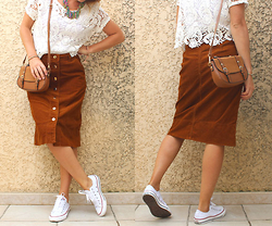 Artemis Leblog - H&M White Laced Top, Pimkie Brown Velvet Midi Skirt, Converse White Sneakers, Jennyfer Brown Little Bag - Crop x velours