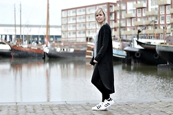 Merel - Mango Cardigan, H&M Leggings, Adidas Originals Superstar Ii, Bershka Sweater - GOOD GIRL