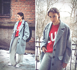 Darina Suprun - H&M Coat, Mango Pants, Adidas Sneakers -  88 Changes