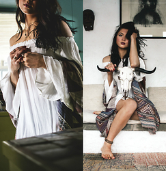 Jessica B. - Free People Kimono, Flying Tomato Bell Sleeve Dres, Catori Life Necklace - Boho Bell Sleeves & Rustic Skulls