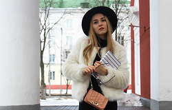 Julia Vorik - Asos Hat, Rebecca Minkoff Bag - Waiting for the spring