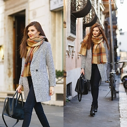 Larisa Costea - Chicwish Coat, Romwe Scarf - Tweed and tartan