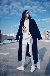 Andreea Birsan - Christian Dior Sunglasses, H&M Sweater, C&A Button Down Shirt, H&M Distressed Jeans, Mango Trainers, Zara Coat - 0202