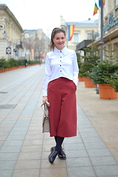 Caterina Rățoi -  - White shirt and culottes
