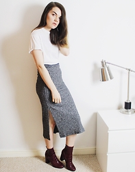 Georgie J - Zara T Shirt, Topshop Skirt, River Island Boots - Side-Split Skirt