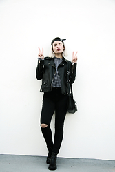 Márcia Soares - Boylymia Tartan Crop Top, Sheinside Faux Leather Jacket, Zara High Waisted Jeans, Stradivarius Boots - Elephant