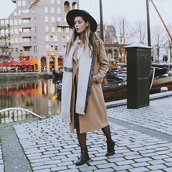 Jamie L ♡ - Missguided Coat, Melvin & Hamilton Boots, H&M Hat, The Sting Scraf - I CAN SEE THROUGH YOU