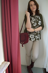 Sarah M - C&A Cardigan, New Look Top, Dailylook Bag, H&M Pants, Pikolinos Ankle Boots - Khaki Florals