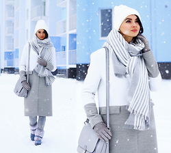 Anna Mour ♥ - C/Meo Collective White/Grey Little Talks Coat, Dealsale White Hat - Winter story