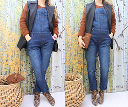 Artemis Leblog - Pimkie Brown Jumper, Zara Denim Overalls, 3 Suisses Black Sleeveless Cardigan - Fatal futal