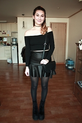 Solveig - American Apparel Off Shoulder Top, Forever 21 Bag, Current Mood Chunky Boots - VALENTINE'S DAY LB VIDEO
