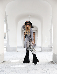 Anna Wiklund - Fringe Bag, Dream Catcher, Kimono - HE KNOWS I'M GONNA STAY
