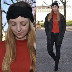 Hanna - H&M Headband, H&M Turtleneck, Vero Moda Jacket - Warm it up!