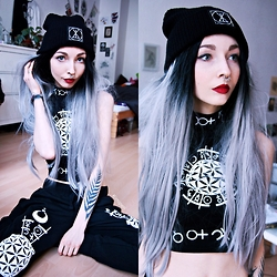 Kimi Peri - Long Clothing X Grace Neutral Crop Top, Lotus&Co Malala Septum Ring, Long Clothing Icon Beanie, Long Clothing X Grace Neutral Joggers - Art Like a Second Skin