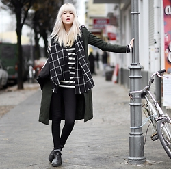 Ebba Zingmark - Bershka Coat, MÖ Sweater, Henry Kole Boots, Lee Jeans - LOOK AT WHERE WE ARE NOW