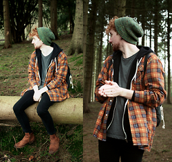 Robbie Cook - Topman Green Hat, Vintage Check Shirt, Topman Black Jeans, Clarks Brown Leather Boots - What am I even looking at?