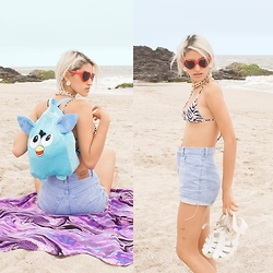 Andrea Chavez - Sweet Jungle Denim High Waisted Vintage Shorts, Shopkyokiai Furby Backpack, Sybilla Zebra Bikini, Now Lolita Heart Shape Sunglasses - SUMMER IS COMING ☀
