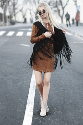 Krist Elle - Yyw.Com Suede Fringed Vest - Suede dress and fringe