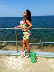 Lenka Dvorakova - Cotton Summer Dress, Wedge High Heels, Handbag With Embroidery And Shels - Sunny Beach Look