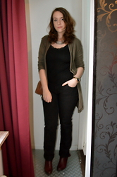 Sarah M - Paprika Open Sweater, Aliexpress Necklace, H&M Top, D Store Pants, Pikolinos Ankle Boots - Black & Khaki