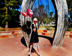 Jenny Burgartz - Kut From The Kloth Dress, Christian Dior Shoes - Happy valentine ! 02/13/2016