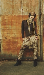 Chia Charms - Ain't No Snail Batik Pants, Loop & Beanie - Post apocalyptic wasteland